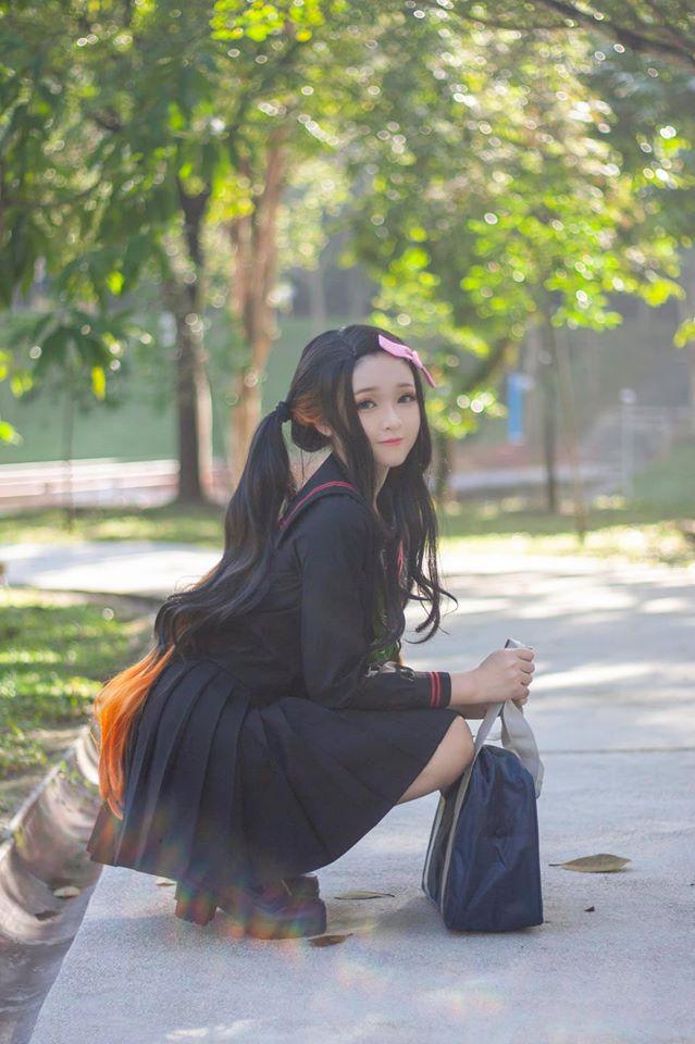 Kimetsu no Yaiba: Em gái quốc dân Nezuko hóa nữ sinh trung học đẹp dịu dàng mà không chói lóa - Ảnh 2.