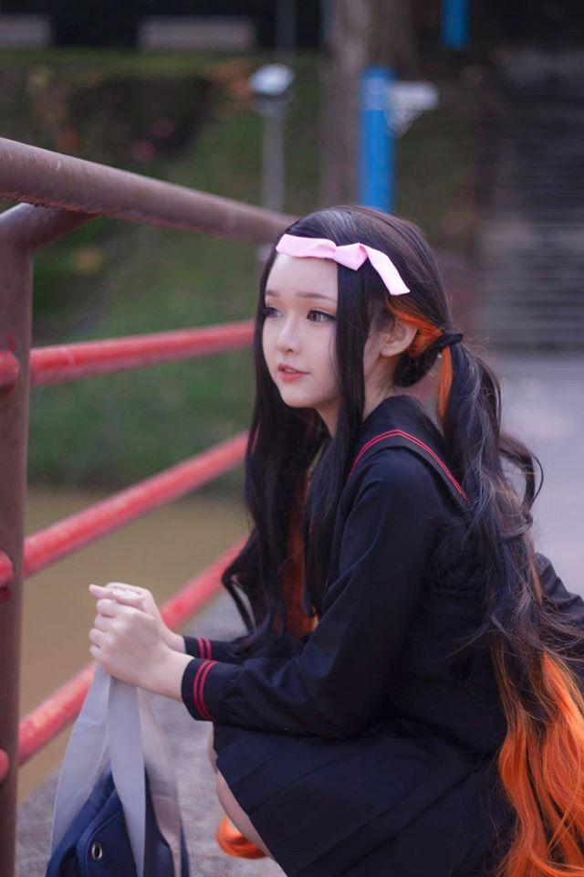 Kimetsu no Yaiba: Em gái quốc dân Nezuko hóa nữ sinh trung học đẹp dịu dàng mà không chói lóa - Ảnh 4.
