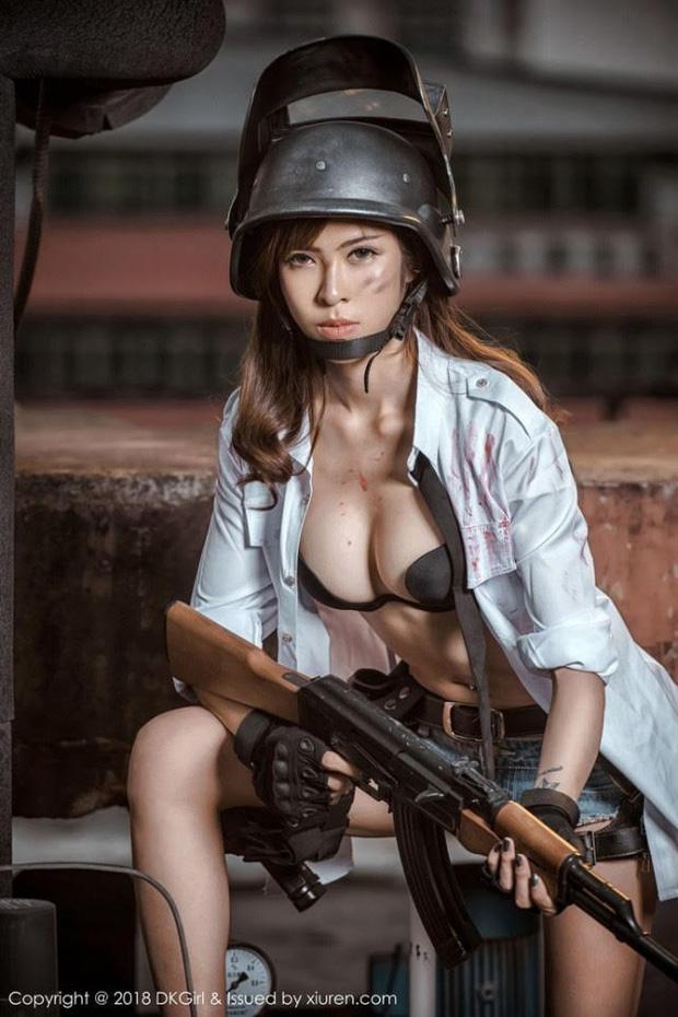 Dàn hot girl cosplay PUBG nóng bỏng mắt, chỉ nhìn thôi là súng ống đã lên nòng để sẵn sàng chạy bo - Ảnh 5.