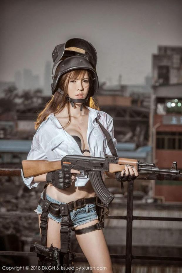 Dàn hot girl cosplay PUBG nóng bỏng mắt, chỉ nhìn thôi là súng ống đã lên nòng để sẵn sàng chạy bo - Ảnh 6.