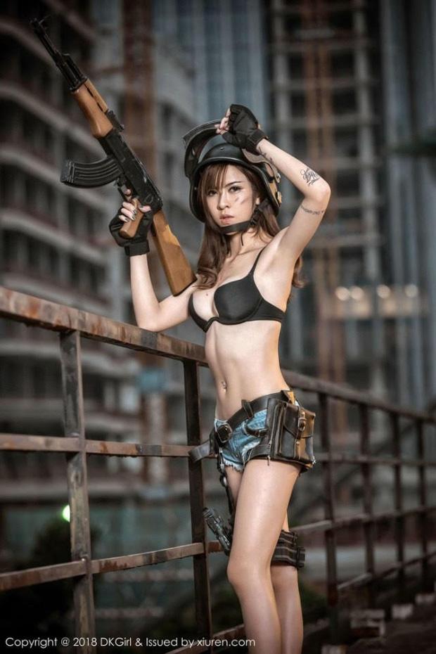 Dàn hot girl cosplay PUBG nóng bỏng mắt, chỉ nhìn thôi là súng ống đã lên nòng để sẵn sàng chạy bo - Ảnh 7.