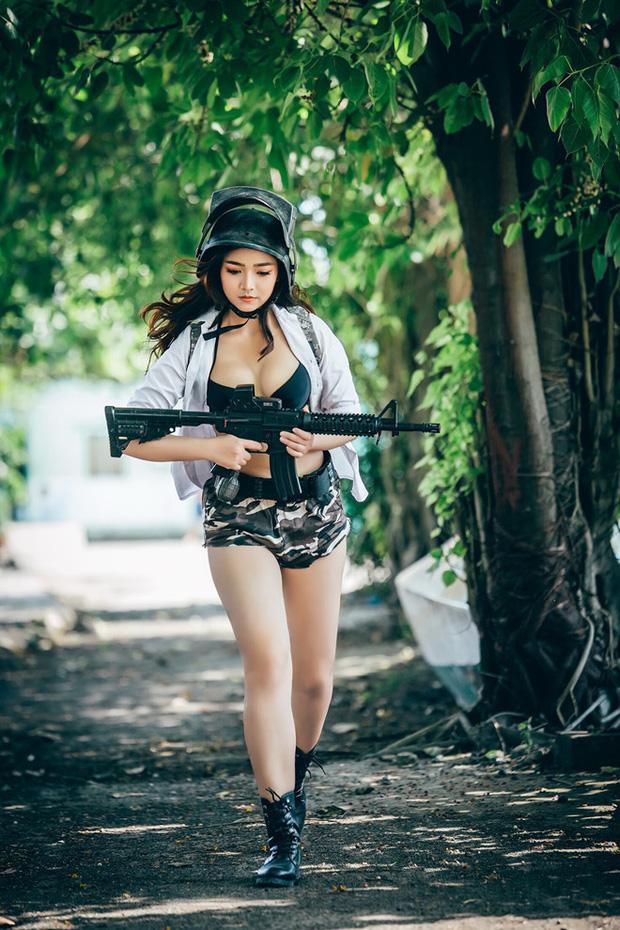 Dàn hot girl cosplay PUBG nóng bỏng mắt, chỉ nhìn thôi là súng ống đã lên nòng để sẵn sàng chạy bo - Ảnh 10.