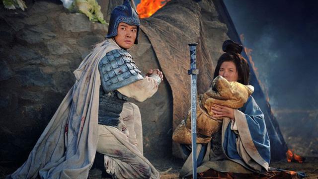 Biết Trương Phi chỉ lo chạy trốn quên cứu vợ con, Lưu Bị nói 2 câu khiến hậu thế tranh cãi - Ảnh 2.