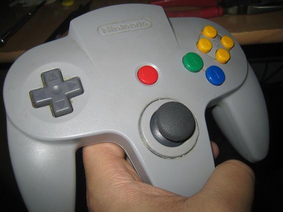 Top 8 lỗi thiết kế dở hơi nhất trong lịch sử máy console - Ảnh 1.