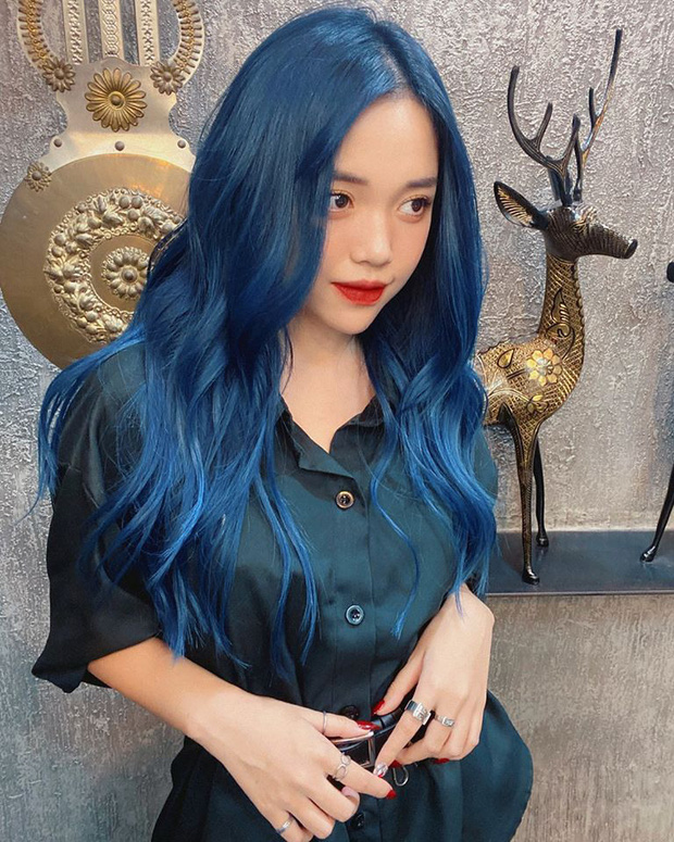 Linh Ngọc Đàm chi tận 16 triệu để nhuộm tóc xanh hot trend, thế nhưng chưa gì đã bay màu hết sạch - Ảnh 1.