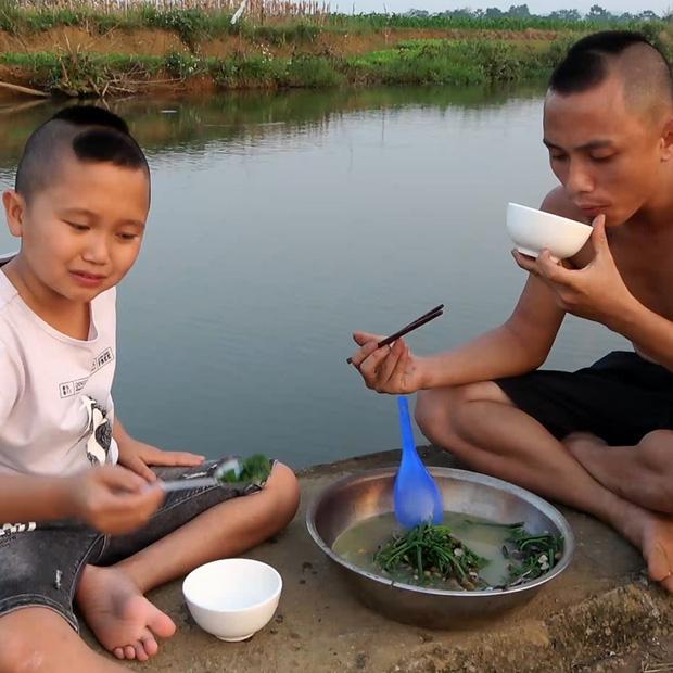 Anh em Tam Mao khoe cặp biệt phủ, tiền kiếm được từ YouTube trong 2 năm lên tới gần 5 tỷ đồng - Ảnh 1.