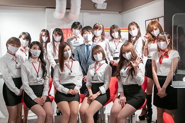 Disneyland 18+ Nhật Bản chính thức mở cửa, dân tình ào ạt ghé thăm khai trương - Ảnh 4.