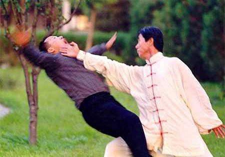 Tự cung để trở thành cao thủ: Tuyệt học võ công bị khinh bỉ nhất truyện Kim Dung liệu có thật? - Ảnh 7.