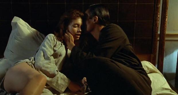 5 cảnh nóng xốn mắt nhất màn ảnh: Thiếu sao được Sắc Giới của Thang Duy - màn kết liễu sự nghiệp đang đà rực rỡ - Ảnh 15.