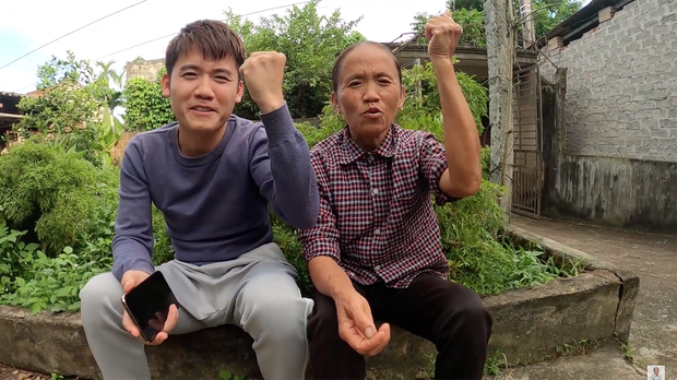 Hướng về miền Trung, Khoai Lang Thang kêu gọi quyên góp được 1,65 tỷ, Sang Vlog dành hẳn nửa tháng lương Youtube để ủng hộ - Ảnh 1.