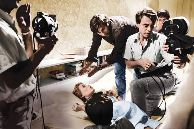 8 phim kinh dị là nỗi ám ảnh của các đoàn phim Hollywood: Rợn gáy nhất là chuỗi thảm kịch kinh hoàng đeo bám Đứa Con Của Satan - Ảnh 19.