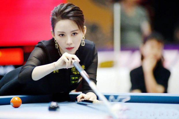 Lộ ảnh quá khứ kém sắc của nữ hoàng Billiards xứ Trung, dân tình băn khoăn lên hương theo thời gian hay động chạm dao kéo? - Ảnh 2.