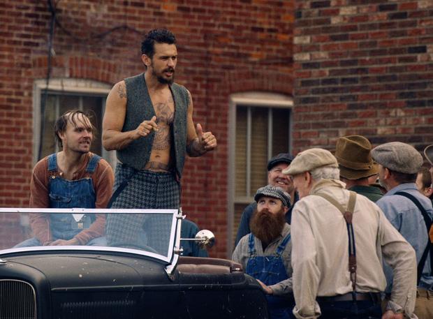 4 cảnh nóng Hollywood tổn hại tinh thần lẫn thể xác diễn viên: Ớn nhất là màn thực hành cùng thanh bơ - Ảnh 1.