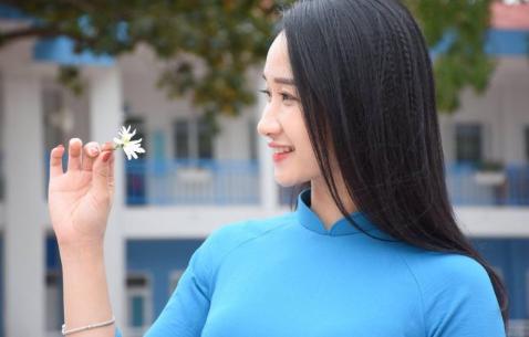 Cô giáo Việt với body của 1 Gymer khiến báo Trung hết lời ca ngợi về nhan sắc - Ảnh 2.