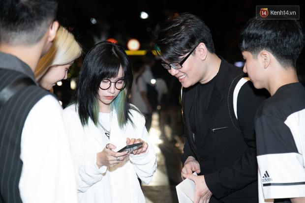 Ngày cưới Xemesis - Xoài Non, 3 cặp cặp đôi trai tài, gái sắc thế hệ mới của làng stream Việt tay trong tay, tình tứ khỏi nói - Ảnh 2.