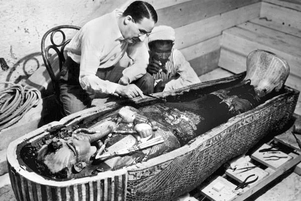 Kết cục rùng rợn của những người mở quan tài xác ướp Ai Cập - Ảnh 4.