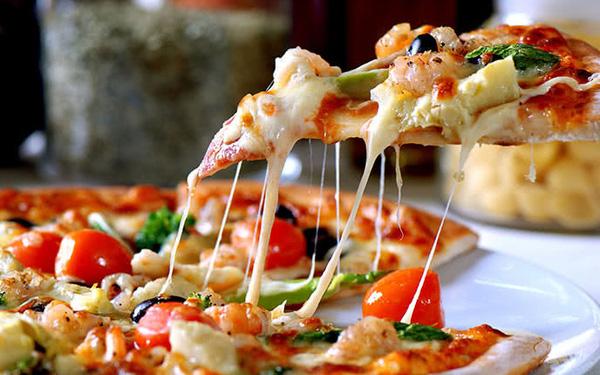 Tại sao nhiều nhà hàng pizza sẵn sàng vứt bỏ đồ ăn lỗi chứ không cho nhân viên? - Ảnh 1.