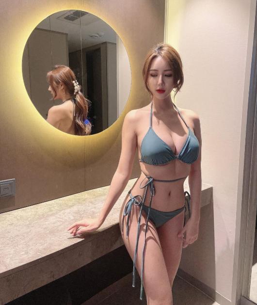 Bị chê quá kín đáo, nữ gymer chiêu đãi fan với bộ bikini mỏng manh khoe vẻ đẹp đẫy đà - Ảnh 4.