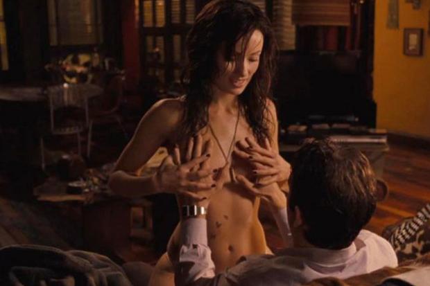 10 bí mật đằng sau cảnh nóng ở Hollywood: Giả trân từ mồ hôi tới diễn viên, nếu xui gặp tai nạn thì cắn răng mà ứng biến nha! - Ảnh 11.