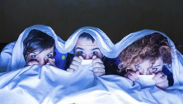 4 ích lợi khi xem phim kinh dị: Giảm cân giá hạt dẻ lại bổ não, hội có bồ khỏi lo nguy cơ trầm cảm! - Ảnh 1.