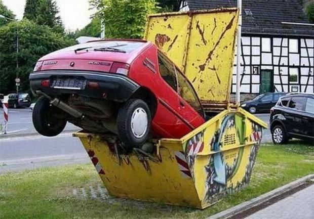 Những tai nạn ngớ ngẩn của hội mới học lái xe đã đi chơi Giáng Sinh - Ảnh 2.