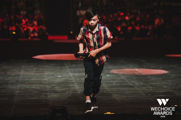 Hành trình 7 năm của WeChoice Awards: Dấu ấn diệu kỳ của tình yêu, tình người và những niềm tự hào mang tên Việt Nam - Ảnh 37.