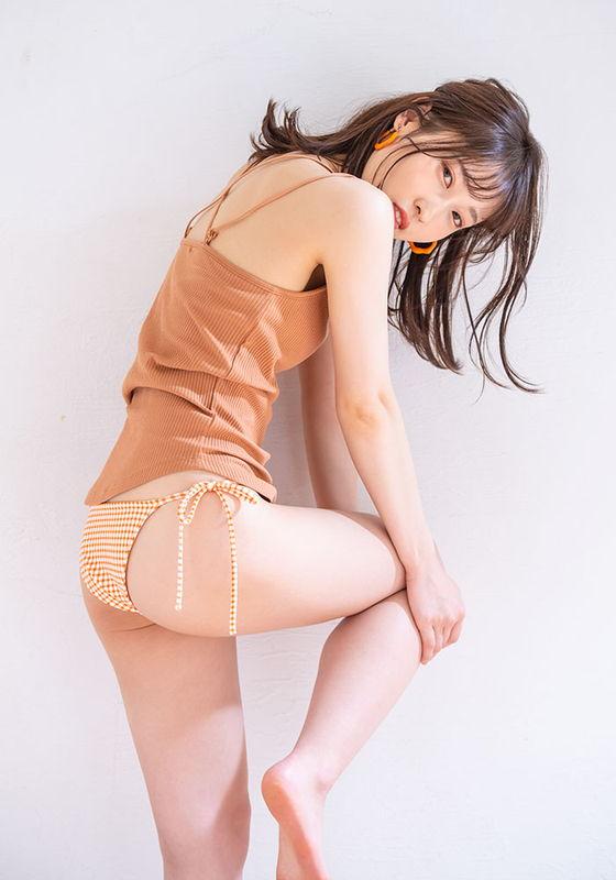 Vừa mới vào nghề, hot girl tân binh đã mơ vượt mặt Yua Mikami, tuyên bố sốc: Chỉ thích bạn diễn vừa già vừa xấu - Ảnh 2.