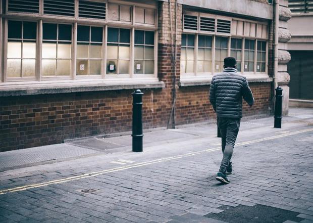 Người đàn ông đi bộ một mạch 418km để giải tỏa stress sau khi cãi nhau với vợ - Ảnh 2.