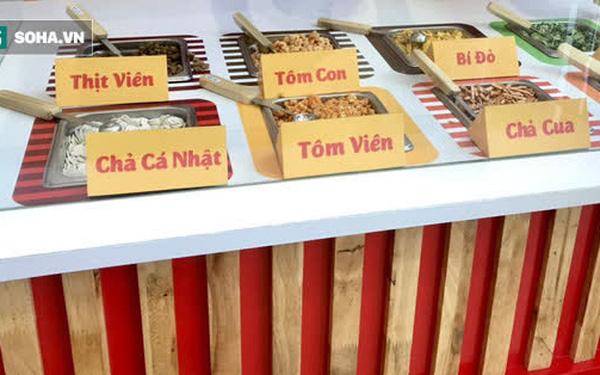 Mì Hảo Hảo tung siêu phẩm: Nhà hàng buffet mì tôm giá chỉ 10.000đồng, tha hồ chọn topping theo sở thích - Ảnh 1.