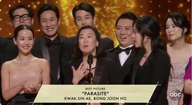 Parasite và cú ăn 3 lịch sử tại Oscar 2020: Giải to giải nhỏ đều ẵm trọn, đến chú Bong Joon Ho còn stress - Ảnh 5.