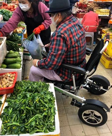 Đại ca võ thuật khét tiếng đa tình, cuối đời ngồi xe lăn đi chợ mua rau cho vợ - Ảnh 5.