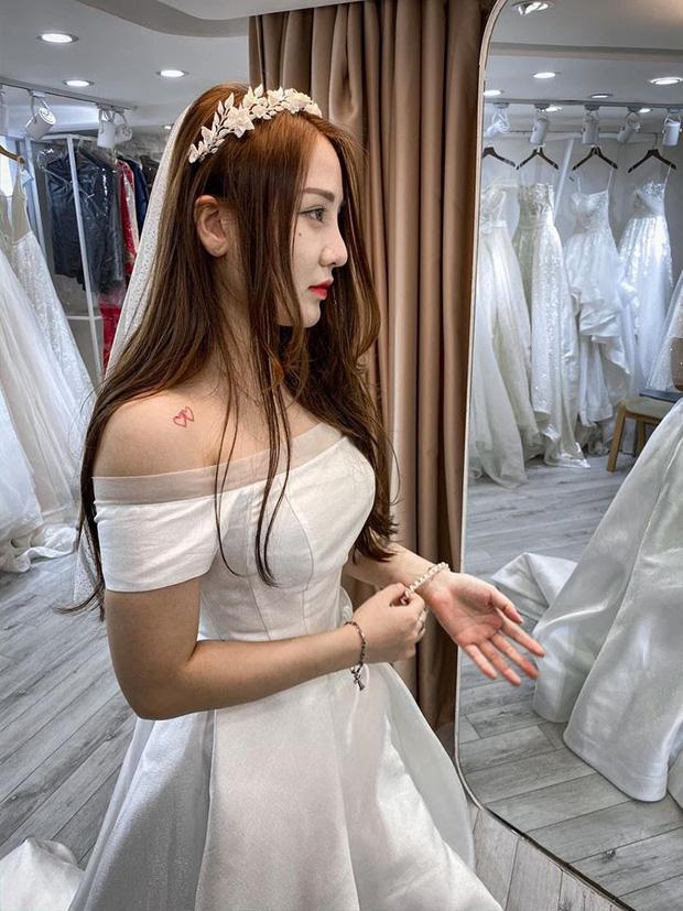 Nóng: Streamer quốc dân Kiều Anh Hera bất ngờ khoe ảnh mặc váy cưới, nàng sắp lên xe hoa? - Ảnh 2.