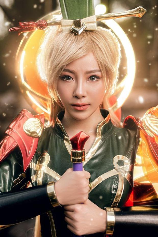 Bỏng mắt với bộ hình cosplay của nữ game thủ Liên Quân Mobile xứ Thái, Butterfly xinh thế này thì ai nỡ combat! - Ảnh 2.