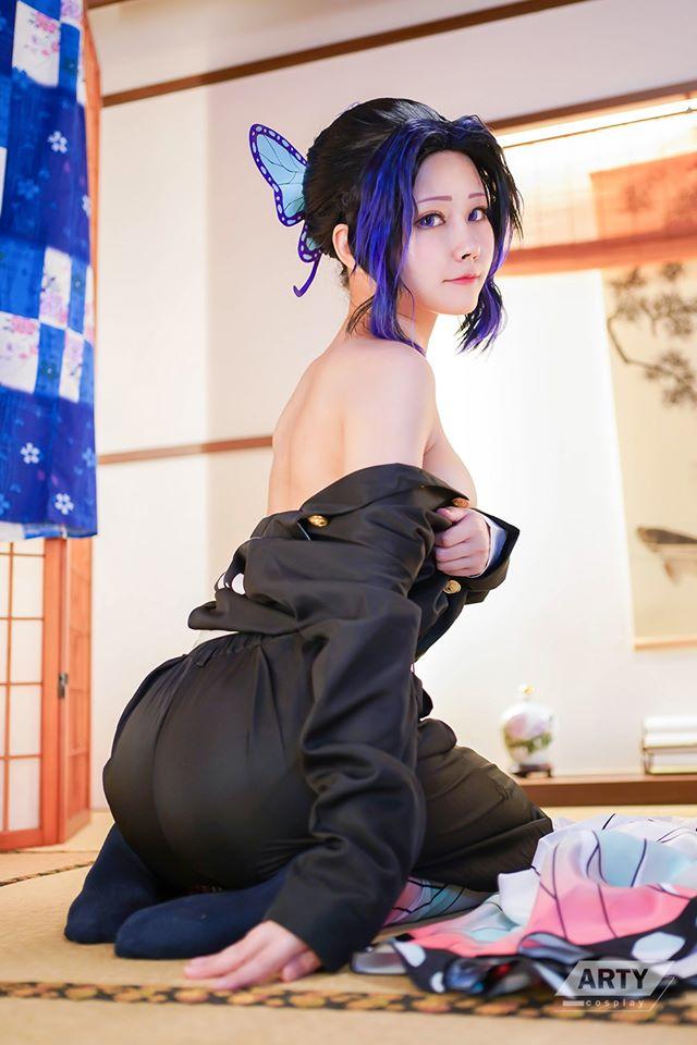 Kimetsu no Yaiba: Trùng trụ Kochou Shinobu khoe vẻ gợi cảm khó cưỡng qua loạt ảnh cosplay đẹp mê hồn - Ảnh 6.