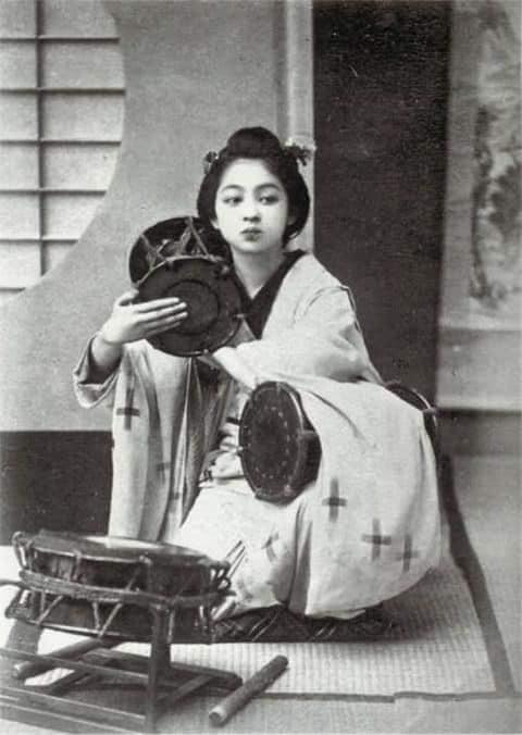 Nhan sắc chim sa cá lặn của các phi tần và người đẹp Nhật Bản cuối thế kỷ 19 - Ảnh 13.