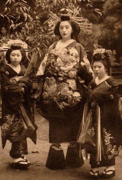 Nhan sắc chim sa cá lặn của các phi tần và người đẹp Nhật Bản cuối thế kỷ 19 - Ảnh 9.