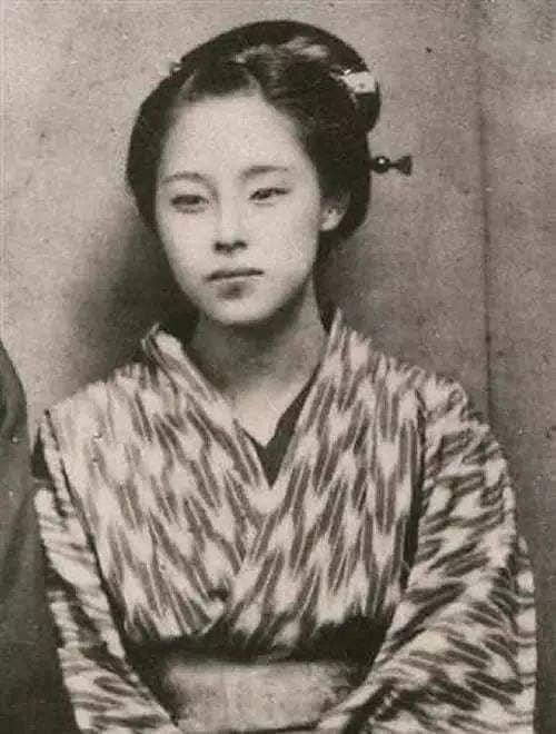 Nhan sắc chim sa cá lặn của các phi tần và người đẹp Nhật Bản cuối thế kỷ 19 - Ảnh 1.