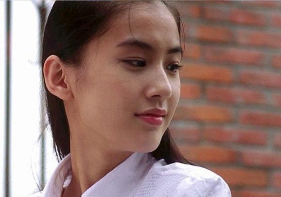 Loạt người tình màn ảnh của Châu Tinh Trì: Người về già sống lủi thủi, kẻ bị đồn có con riêng với vua hài - Ảnh 6.