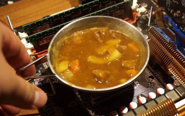 YouTuber nấu cà-ri Nhật bằng CPU của AMD - Ảnh 1.