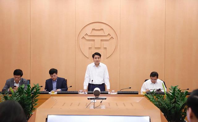 Chủ tịch Hà Nội: Không chủ quan khi có 2 ca xét nghiệm âm tính nhưng sau 7 - 8 ngày lại dương tính Covid-19 - Ảnh 1.