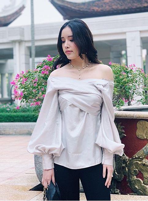 Chiêm ngưỡng vẻ đẹp sắc sảo không thể rời mắt của em gái Hoa hậu Việt Nam 2006 - Ảnh 3.