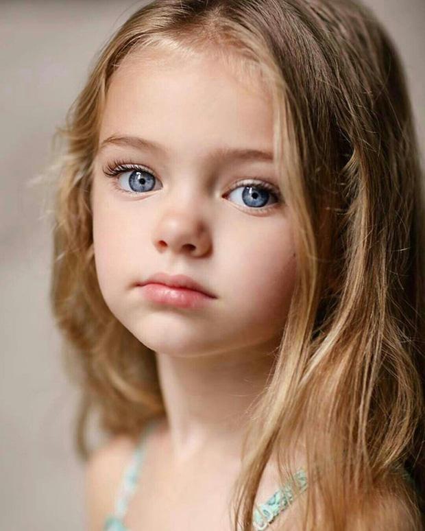 Dàn thiên thần Hollywood có khuôn mặt đẹp vô thực: Con gái Bella - Edward và cô bé xinh nhất thế giới dậy thì ra sao? - Ảnh 17.
