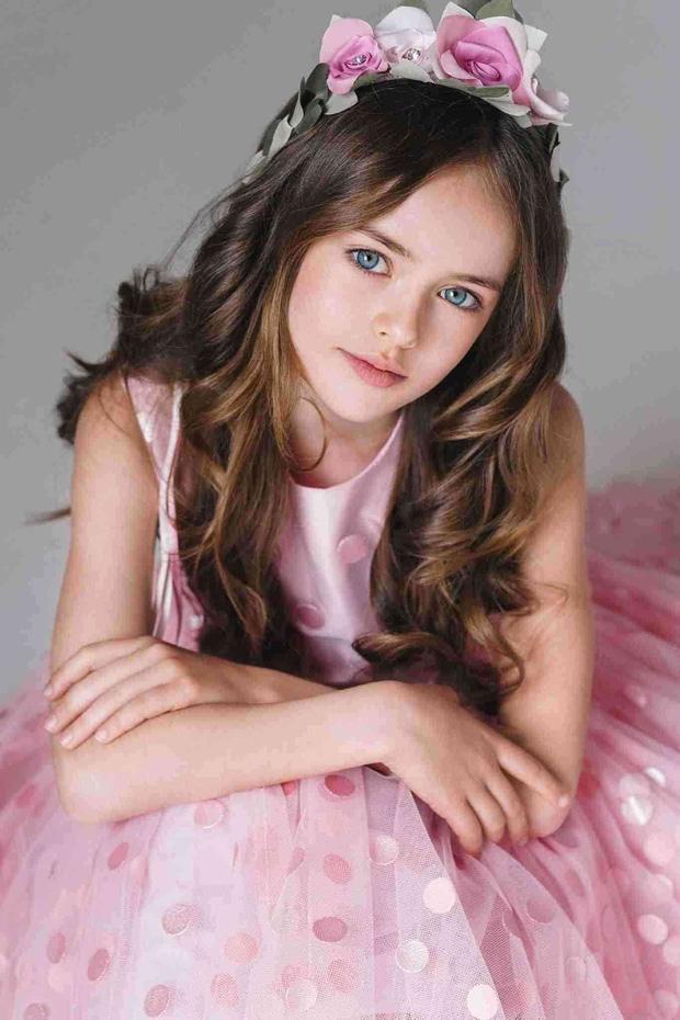Dàn thiên thần Hollywood có khuôn mặt đẹp vô thực: Con gái Bella - Edward và cô bé xinh nhất thế giới dậy thì ra sao? - Ảnh 19.