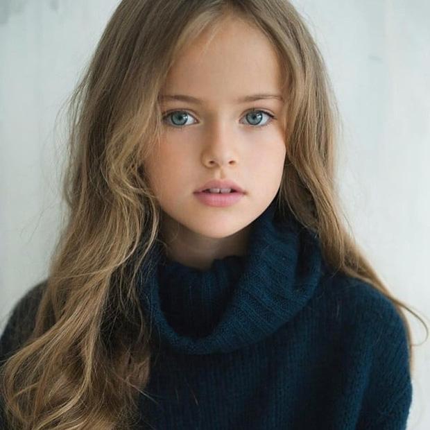 Dàn thiên thần Hollywood có khuôn mặt đẹp vô thực: Con gái Bella - Edward và cô bé xinh nhất thế giới dậy thì ra sao? - Ảnh 22.