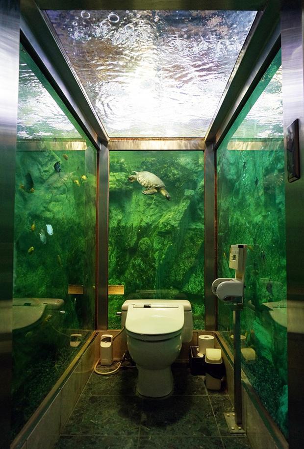 Những phòng toilet độc nhất vô nhị chỉ có tại Nhật Bản - Ảnh 7.