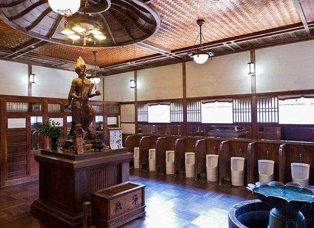Những phòng toilet độc nhất vô nhị chỉ có tại Nhật Bản - Ảnh 19.