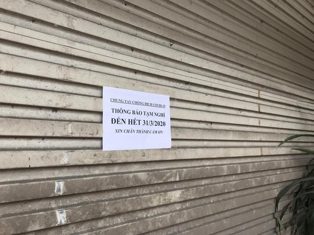 Hà Nội: Hàng loạt quán cafe, quán nhậu vẫn tấp nập mở cửa đón khách bất chấp lệnh đóng cửa để phòng chống COVID-19 - Ảnh 16.
