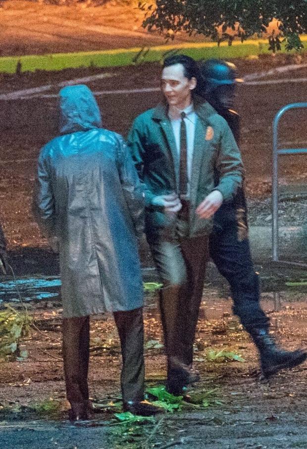 """Lộ ảnh Loki nữ"""" tóc vàng hoe, phiên bản """"chuyển giới"""" của Tom Hiddleston hay một thánh lừa siêu đẳng? - Ảnh 1."""