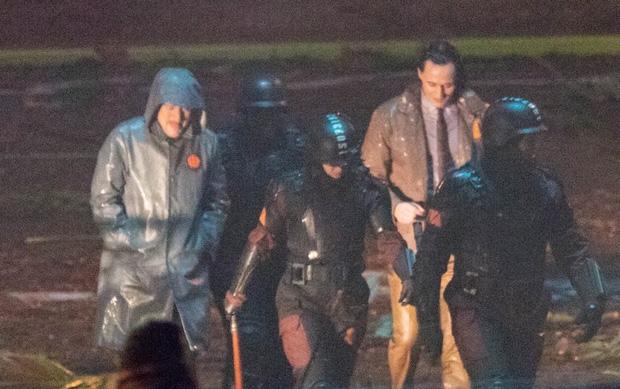 """Lộ ảnh Loki nữ"""" tóc vàng hoe, phiên bản """"chuyển giới"""" của Tom Hiddleston hay một thánh lừa siêu đẳng? - Ảnh 4."""