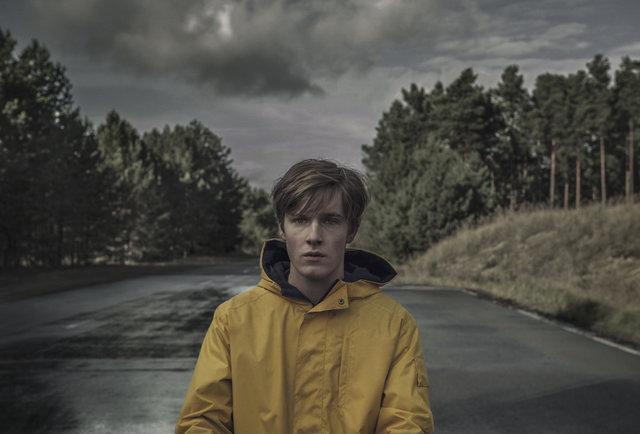 Thêm ngay vào danh sách cày 5 series tiếng nước ngoài đáng xem nhất trên Netflix hiện tại - Ảnh 3.